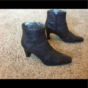 Worthington Brown Ankle Boots size 7